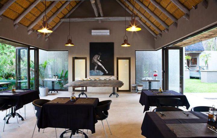Popa Falls Resort dining area